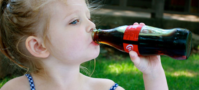 Кока-кола помогает от отравления и ротавируса: правда или байка?